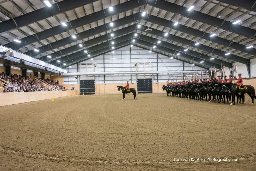 RCMP Carrousel indoor ring 4 seasons Bécancour-125 _x 250_