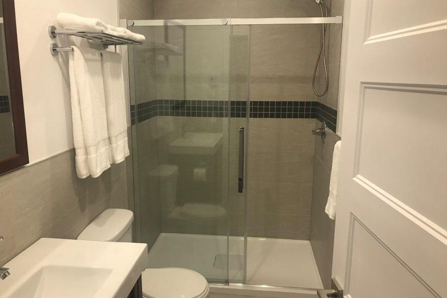 Salle de bain2 hotel mustang
